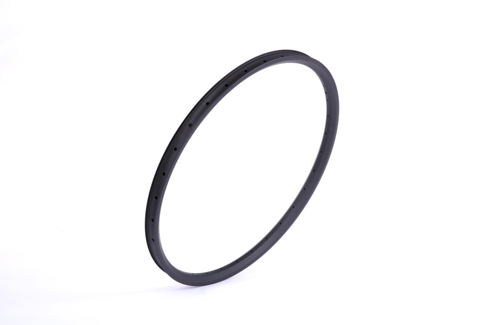 Hookless carbon 29er mtb 25mm depth inner width 30mm AM DH rim clincher tubeless compatible outer width 35mm.