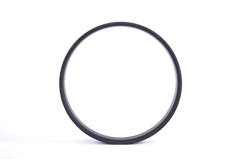 Carbon tubeless compatible fat bike rim 20mm depth inner width 85mm outer width 90mm wide double-wall construction hookless for 26 inch fat bike